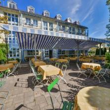 restaurant-berggeist-penzberg-biergarten-mediterrane kueche