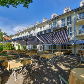 restaurant-berggeist-penzberg_biergarten-sonnig